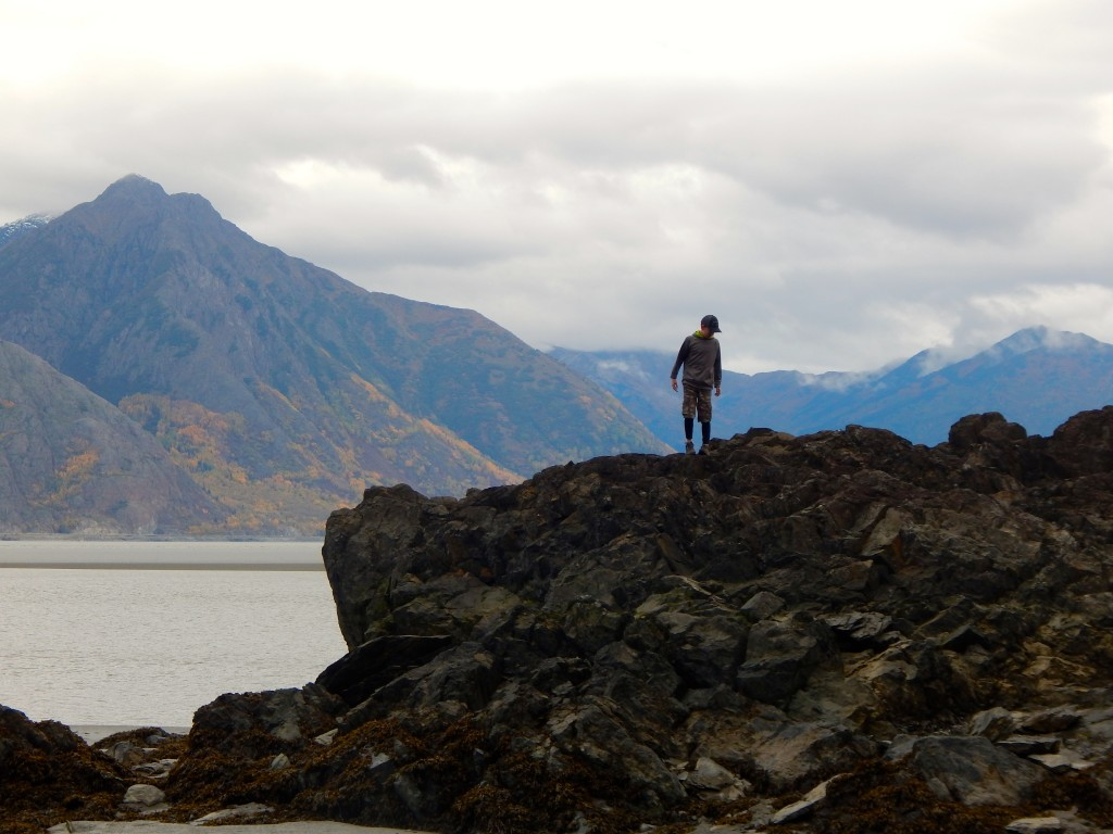 Climbing rocks along Turnagain Arm near Hope. Erin Kirkland/AKontheGO