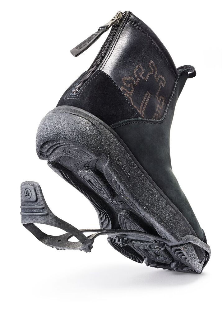 The Glava fits the Icebug BUGweb spike system within the soles of the shoe. Image courtesy Icebug