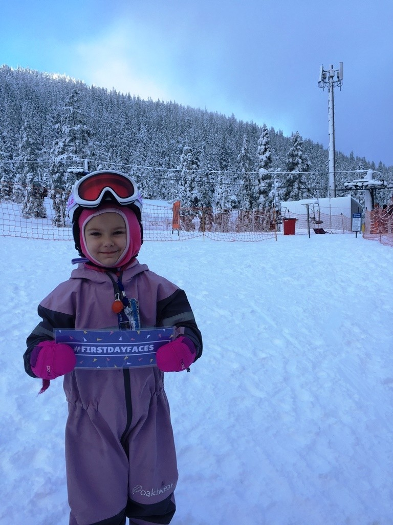 How adorable is this little skier?!